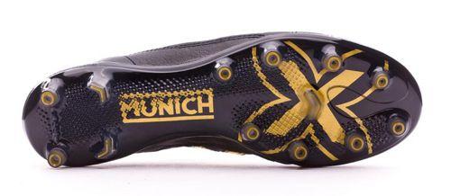 Bota de fútbol multitaco MUNICH negra y dorada 2155001