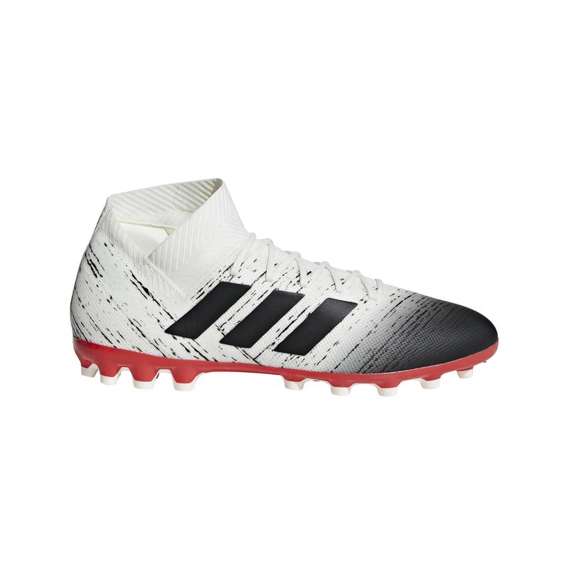 Bota de fútbol multitaco ADIDAS NEMEZIZ 18.3 AG blanca y negra D97983