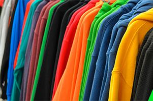 Personalización de prendas deportivas, sudaderas de colores